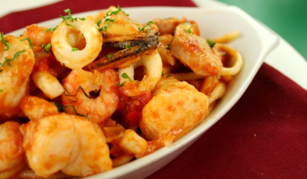 Kolmi Papeto Tetralo (Prawns and potatoes)